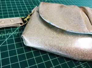 Pink Peony Bag Clutch Purse Gold Glitter Vinyl MikriWorld sewing report (1)